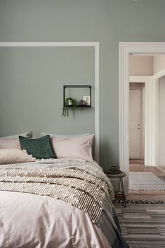 Home Decoration Accessories Pink Green Bedrooms, Green Bedroom Colors, Bedroom Colour Palette, Bedroom Wall Colors, Bedroom Color Schemes, Room Ideas Bedroom, Home Decor Bedroom, Green Bedroom Decor, Sage Living Room