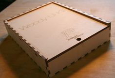 Woody UI comes in a wooden laser-cut box allowing to keep all blocks and frames organized without cluttering your desk.