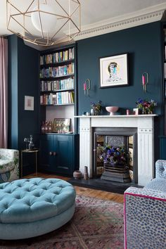 The Pink House sitting room, as seen in Pink House Living/Photo: Susie Lowe 1930s Living Room, Dark Living Rooms, Victorian Living Room, Home Living Room, Living Room Decor, 1930s House Interior Living Rooms, Dark Green Living Room, Victorian Terrace House, Modern Living