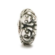 The monkey is eager to learn new things and is quick-thinking, inventive and original. Monkeys are intelligent and have a good imagination. They are very much in possession of common sense, and they are helpful and have a very high energy level. - Trollbeads