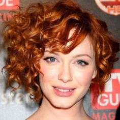 9 Asymmetrical Curly Bob Hairstyles to Revamp Your Look. The curly asymmetrical bob is an interesting cut to try out. The unique look, exaggerated. Haircuts For Curly Hair, Curly Hair Cuts, Short Hairstyles For Women, Short Hair Cuts, Curly Hair Styles, Prom Hairstyles, Frizzy Hair, Celebrity Hairstyles, Latest Hairstyles
