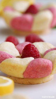 Cute Desserts, Desserts To Make, Delicious Desserts, Food To Make, Yummy Food, Creative Desserts, Baking Recipes, Dessert Recipes, Raspberry Cookies