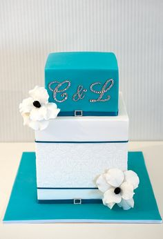 Teal and White wedding cake.