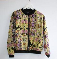 Blomstret bomber jakke
