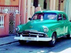 www.tropicalcubanholiday.com classic car old-timer plymouth Havana City Tour