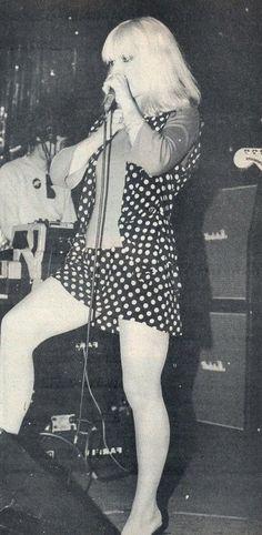 "kannibalkrunch: ""Debbie Harry of Blondie in She really has the best legs in rock and roll… "" First Rapper, Blondie Debbie Harry, Estilo Rock, American Singers, Blondies, Bodycon Dress, Celebs, Celebrities, Musica"