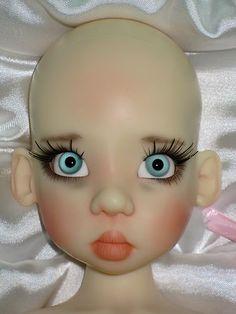 """Kaye Wiggs """"Fair Human Nyssa"""" BJD Doll  Wah!  I want her so bad."""