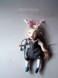 Rosebud a little needle felted art doll by van feltoohlala op Etsy