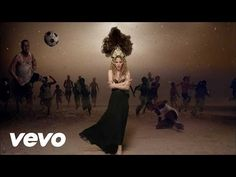 Shakira - La La La (Brazil 2014) ft. Carlinhos Brown - YouTube