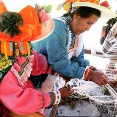 Manos artesanas mujeres creativas madres de Pachangara Artisan hands creative women Pachangara mothers  Nuestra experiencia completa / Our complete experience >> www.placeok.com http://ift.tt/1YRu3r8  #placeok #travelblog #travelbloggers #travelinspector #travel #awesome #happy #bestoftheday #igers #amazing #photooftheday #cute #followme  #repost #instagood #instamood #gurls #culture #artisan #handcraft #peru #churin #colors #art