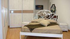Dormitor Modern Dressing din MDF cu nuanta de Lemn Alb ce dispune de usi glisante si Profil Aluminiu la comanda Bacau Furniture, Dressing, Home Decor, Profile, Interior, Living Room, Decoration Home, Room Decor, Home Furnishings