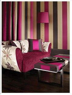 Stripes on the wall lounge purple black and beige