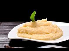 Puré de papa. Una guarnición ideal para acompañar pollo frito, bistec o pescados.