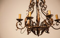 Vintage lamps http://www.tonymalony.com/objeto/lampara-vintage-candelabro-metal/