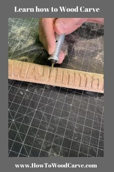 Simple Wood Carving, Dremel Wood Carving, Best Wood Carving Tools, Wood Carving Designs, Wood Carving Patterns, Diy Wooden Projects, Wooden Crafts, Dremel Tool Projects, Dremel Ideas