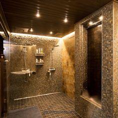 Villa Adele on suunniteltu kolmen sukupolven Adele, Bathroom Lighting, Tile Floor, Villa, Bathtub, Haku, Flooring, Mirror, Interior