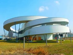 Cycling Center  / Ferdinand and Ferdinand Architects