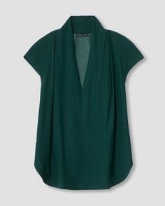 Cambria Luxe Twill Top - Forest Green | Universal Standard Workwear Fashion, Fashion Outfits, Occasion Tops, Get Skinny, Skirts With Pockets, Green Tops, African Dress, Classic Looks, Pretty Dresses