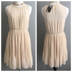 ✨HOST PICK✨UO pleated chiffon dress This dress is very flattering and is gorgeous on!  Bought from Urban Outfitters and is Pins and Needles brand. 🎉BEST IN DRESS & SKIRTS PARTY HOST PICK 6.23.16🎉 Urban Outfitters Dresses Midi