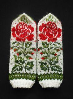 "Ravelry: MASHAISL's Mittens ""Grandma's embroidery"" Double Knitting Patterns, Knitted Mittens Pattern, Knit Mittens, Knitted Gloves, Knitting Socks, Knitting Designs, Knitting Projects, Hand Knitting, Christmas Bazaar Ideas"