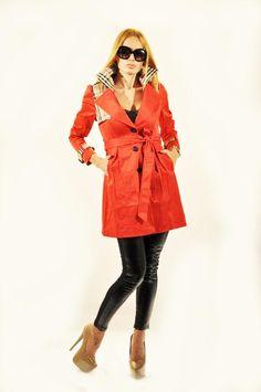 Trenci Dama Fashion  -Trenci dama cu accente moderne, usor cambrat in talie, se poate strange cu un cordon detasabil.  -Se inchide cu nasturi, are buzunare laterale.  -Esarfa neagra inclusa.     Lungime: 84cm  Latime talie: 37cm  Compozitie: 65%Poliester, 45%Naylon Raincoat, Modern, Jackets, Fashion, Rain Jacket, Down Jackets, Moda, Trendy Tree, Fashion Styles