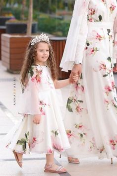 Little Autumn Cherry Dress Mom And Baby Outfits, Mother Daughter Matching Outfits, Mother Daughter Fashion, Girl Outfits, Girls Maxi Dresses, Little Girl Dresses, Modest Dresses, Kids Summer Dresses, Dress Summer