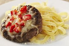 No buns? No problem! These tomato- and Parmesan-topped beef patties taste delicious served on a bed of hot cooked pasta. Kraft Foods, Kraft Recipes, Beef Recipes, Beef Meals, Yummy Recipes, Quick Weeknight Meals, Easy Meals, Tapas, Baked Tacos Recipe