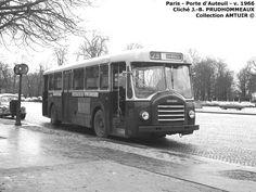Paris - Autobus - Autobus Berliet PCS10. Il se différenciait d'avec les PCP 10 par un capot moteur proéminent et la girouette d'indice de ligne reportée à coté de l'indicateur de destination.