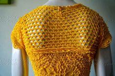 Mostro aqui um projeto pessoal iniciado em janeiro do ano passado.   Inicialmente seria um vestido parecido com um modelo que circula n...