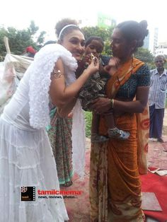 #RamyaSri Distribute Clothes & Food to Poor people On the Occasion of Gandhi Jayanthi - http://tamilcinema.com/ramya-sri-distribute-clothes-food-to-poor-people-on-the-occasion-of-gandhi-jayanthi/