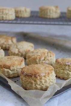 Super easy gluten free scones recipe - The Gluten Free Blogger Gluten Free Breakfasts, Gluten Free Desserts, Dairy Free Recipes, Gluten Free Foods, Fodmap Recipes, Almond Recipes, Veggie Recipes, Cake Recipes, Dairy Free Scones