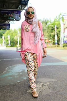 We @hijabmuseum #hiijabmuseum http://www.hijabmuseum.com love this look! #muslimah hijab fashion