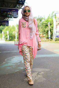 We @hijabmuseum #hiijabmuseum http://www.hijabmuseum.com love this look! #muslimah hijab fashion