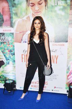What Do Shraddha Kapoor, Alia Bhatt, Sonam Kapoor and Ileana D'Cruz Have In Common? Ileana D'cruz, Arjun Kapoor, Shraddha Kapoor, Winter Outfits, Cool Outfits, Celebrity Style Inspiration, Bollywood Saree, Bollywood Celebrities, Blue Tops