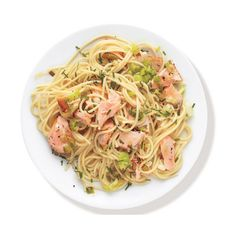Buttery Pasta With Salmon and Leeks ❤ liked on Polyvore featuring food, food and drink, fillers, comida and food & drink