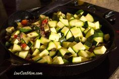 This low carb Mexican zucchini and ground beef recipe is a simple dish made with low cost ingredients. It's an easy LCHF dinner recipe perfect for summer. Mexican Food Recipes, Keto Recipes, Cooking Recipes, Recipes Dinner, Healthy Recipes, Dinner Ideas, Atkins Recipes, Ketogenic Recipes, Dinner Menu