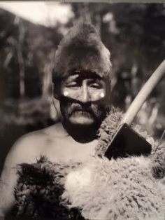 Halimink, assistant director of the Hain ceremony. Photo of Martin Gusinde, 1923 Tierra del Fuego. Chile, Patagonia, Tribal Rituals, Australian Aboriginals, Melbourne Museum, Water For Health, American Spirit, Historical Pictures, Native American Indians