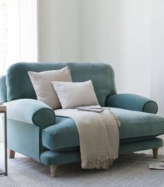 Best Accent Chairs For Living Room Home Living Room, Living Room Designs, Living Room Decor, Living Spaces, Bedroom Decor, Chaise Lounge Bedroom, Small Couch In Bedroom, Sofa Bed Living Room, Bedroom Sofa