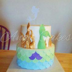 The little mermaid sea cake with gold gumpaste seaweed