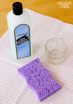 diy nail polish remover - great, simple, inexpensive Christmas gift - throw in a bottle of polish, a spare bottle of remover and walaa. :)