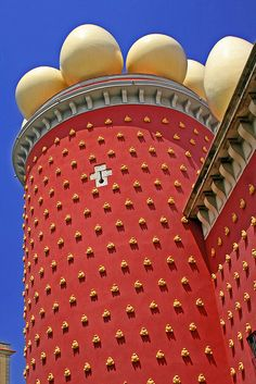 Dalí Museum in Figueres, Costa Brava, Spain. Ailleurs communication, dotations, voyages, jeux-concours, trade marketing www.ailleurscommunication.fr