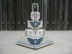Top 10 Geeky Wedding Cakes. @Kaila Cote Cote Rudd, check out the Harry potter cake!