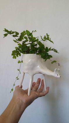 Ceramic Deer planter. Approx. 14.5cm H x 16cm L