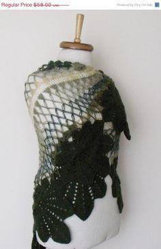 BLACK FRIDAY SALE Green Leaf Bridal Shawl Ready by knittingshop, $52.20