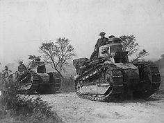 American troops with Renault FT-17 tanks. September 26, 1918.
