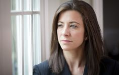 Irtisanomisen aiheuttamat tunteet voivat lamauttaa ihmisen kokonaan. Lue, millaisia vinkkejä asiantuntija antaa työttömyyden tunteiden helpottamiseksi.