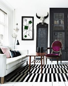 Discover black and white interior design ideas for the bathroom, bedroom, living room, home office and dining room. Be inspired by these monochrome designs to use a black and white pattern in your home. For more color palette ideas go to Domino. Black And White Interior, White Interior Design, Home Interior, Black White, Asian Interior, Modern Interior, Living Room Decor Black And White, Modern Decor, American Interior