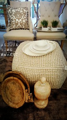 Love this fabulois ottoman or is it a poof? #ottoman #poof