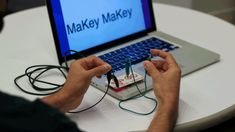 Scratch Studio - Makey Makey - Games+ from @christine_quong via @Winnie Yu Yu Yu Fryer #makered #stem #geniushour #gtchat