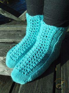 nukkumaijan unisukat Wool Socks, Knitting Socks, Crochet Slippers, Knit Crochet, Leg Warmers, Mittens, Legs, Boho, 31